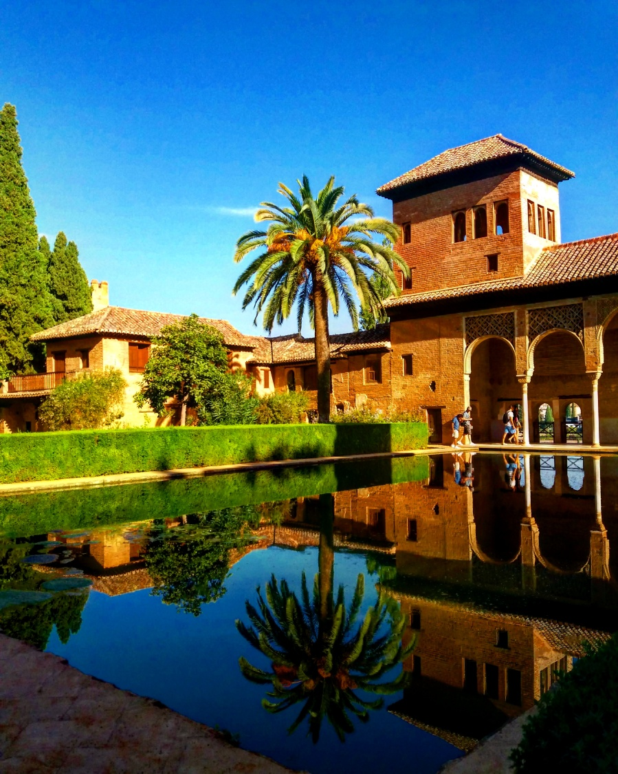 The Ladies Tower, Torre de las Damas, is the most important building of those that belonged to the magnates who lived around La Alhambra