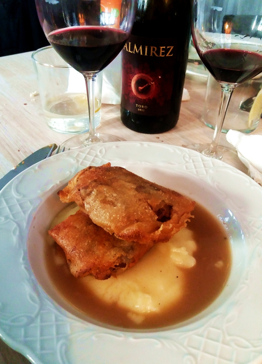 Almirez wine served with lamb